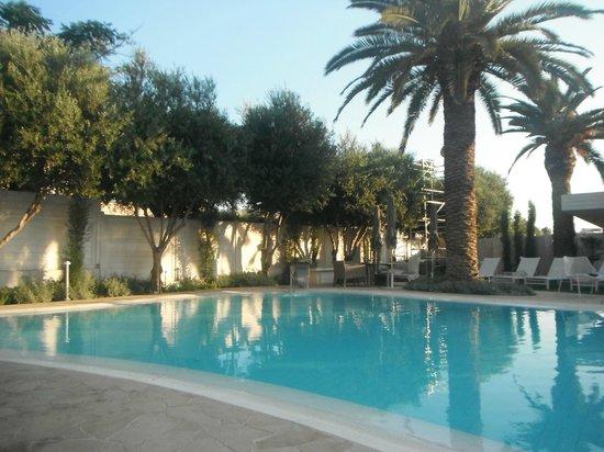 Alasia Hotel: Pool area