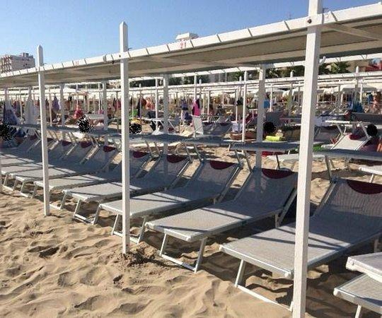 Le Tende Foto Di La Spiaggia Del Cuore 110 Riccione