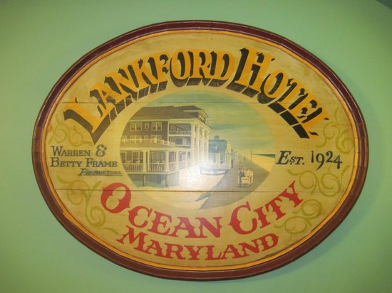 Lankford Hotel: Sign in lobby.