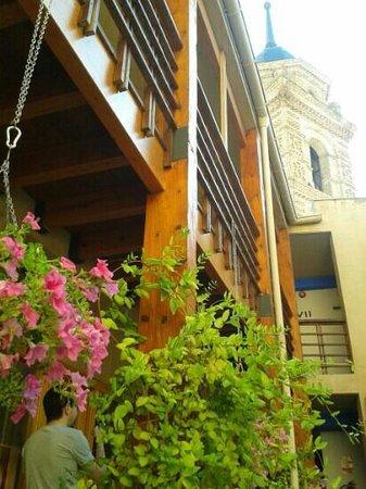 Hotel Castillo de Ateca: Patio y torre del reloj