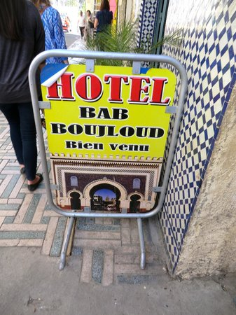 Hotel Bab Boujloud : Hotel sign