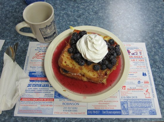 Lakeside Inn: Stuffed French Toast with fresh blueberries & whipped cream.  Stuffed w/blueberries and cream ch