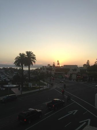 Coronado Beach Resort: sunset from the rooftop balcony