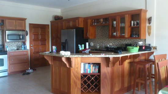 Los Porticos Villas: gorgeous kitchen w/ breakfast bar and stainless steel