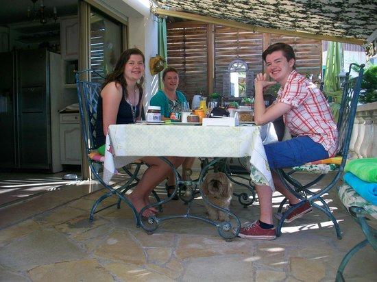 Vista Azzurra : Uitgebreid ontbijt op terras