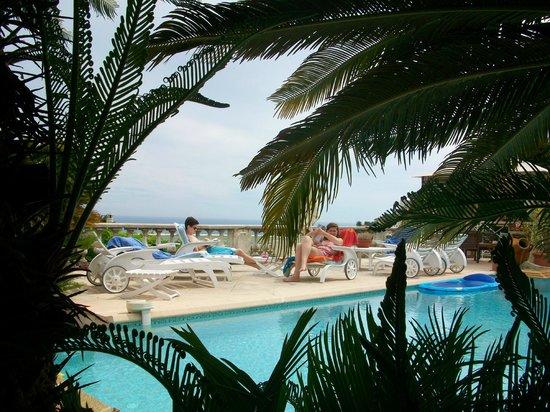 Vista Azzurra : Prachtig zwembad met zicht op Nice en de zee