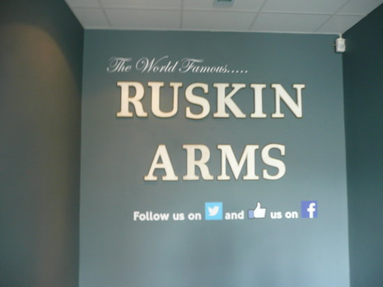 Ruskin Hotel: In the bar/restaurant next door