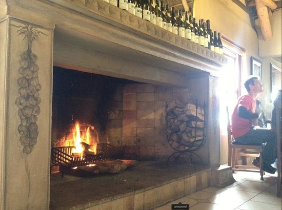 96 Winery Road Restaurant: fireplace at 96 winery road