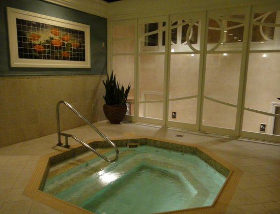 Foto De The Ritz Carlton New Orleans Nueva Orleans Heated Pool Tripadvisor