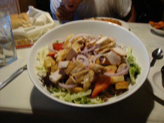 Anthony's Restaurant & Lounge: Strawberry Pecan Summer Salad