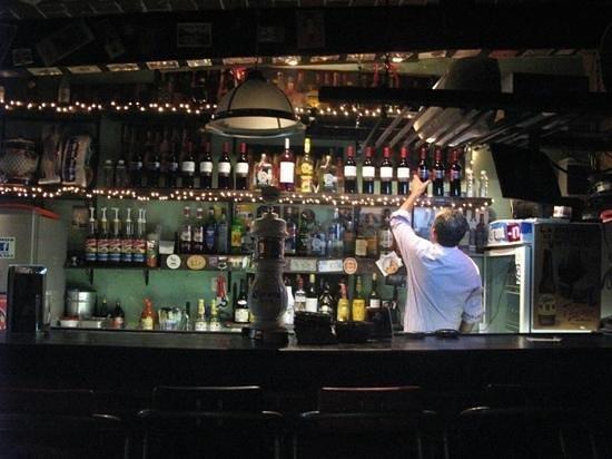 La Biznaga 3.0.3: Una Cerveza de Barril o algo de la Coctelería de La Biznaga con atención personal de los propiet