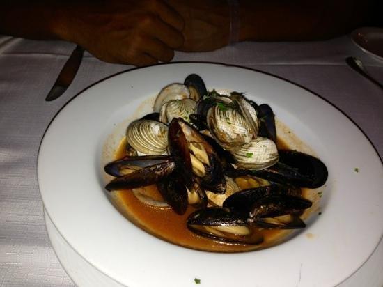 Catalonia Royal Tulum: Mussels at the Italian restaurant