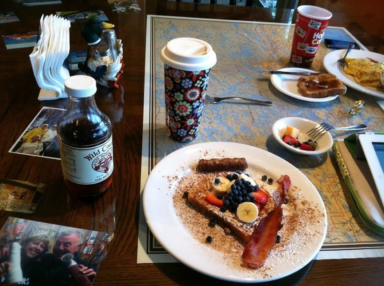 Cross River Lodge: A (half!) order of french toast :D