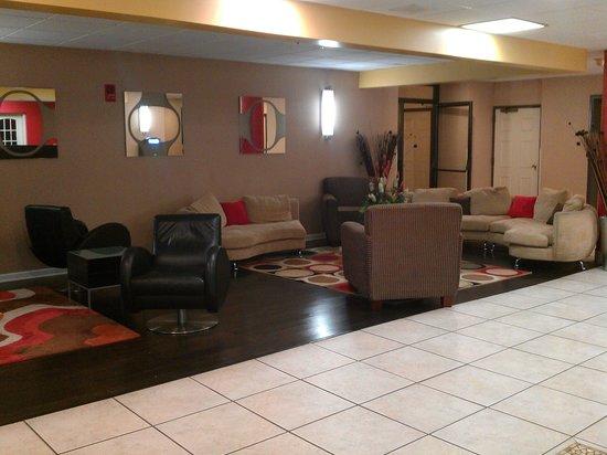 La Quinta Inn & Suites Memphis Airport Graceland: Lobby