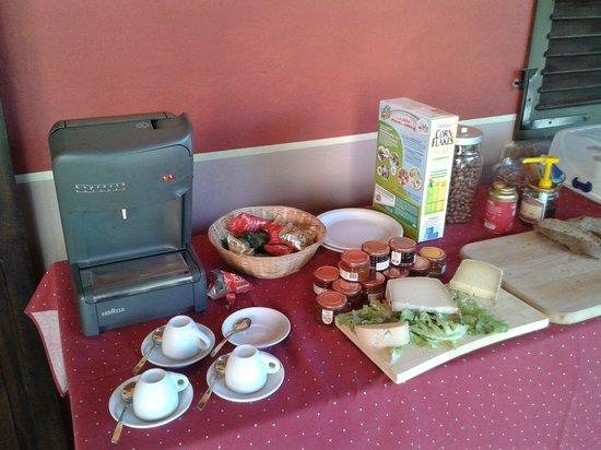 B&B La Casa Arancione: buffet breakfast