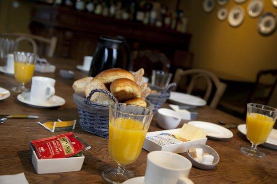 Villa Adélaïde Chimay : Breakfast