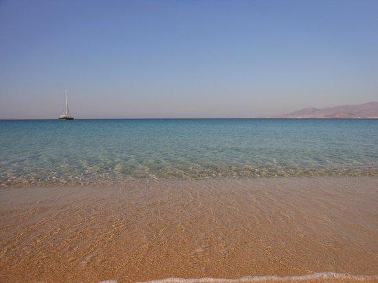 Agios Prokopios Beach: Il mare cristallino ad Agios Prokopios (isola di Naxos - Grecia)