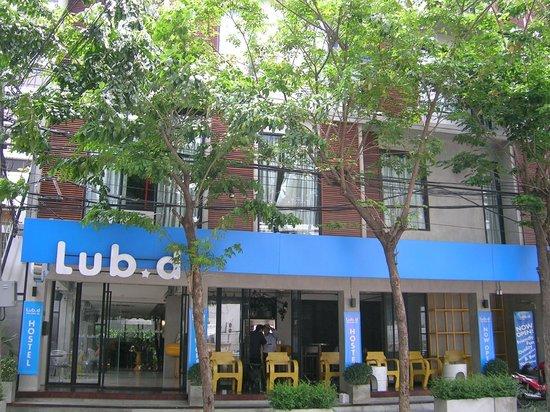 Lub d Bangkok Silom: outside II