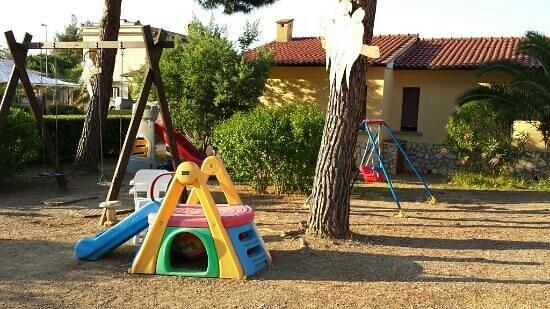 Residence il Mandorlo: parco giochi