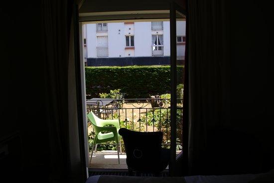 Hôtel La Résidence des Artistes : View from room