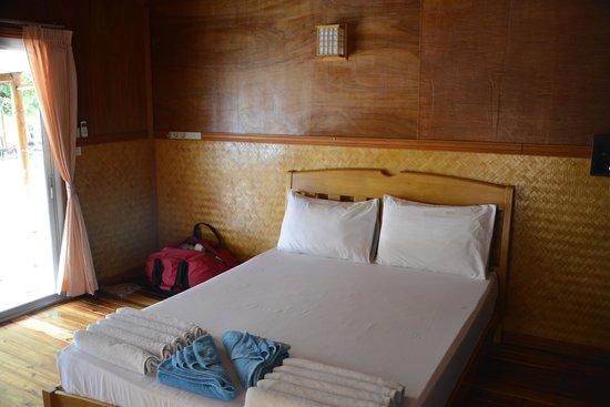 Phi Phi Sand Sea View Resort: Room
