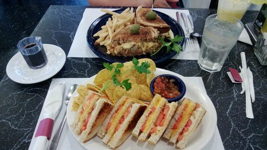 The Cheeze Factory Restaurant: Reuben (rear) and grilled cheese sandwiches
