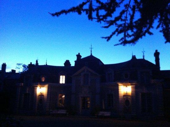 Chateau de Colliers : Château bei Nacht