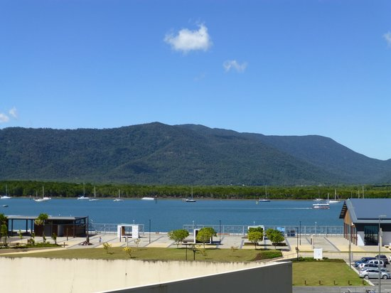 Jack & Newell Cairns Holiday Apartments: Super Apartment View