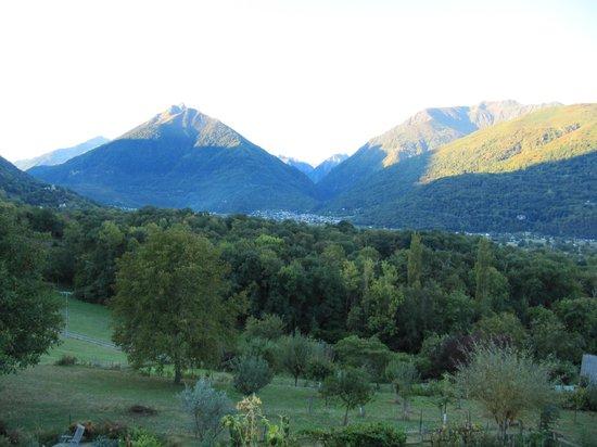 B&B Eth Berye Petit: view from garden