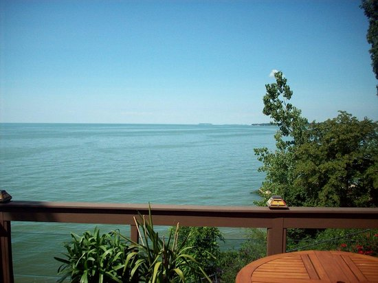 Our Sunset Place: A spectacular view of Lake Erie