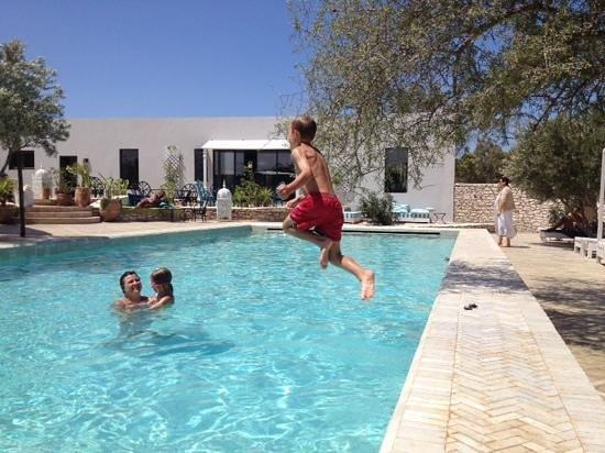Babel: la piscine !