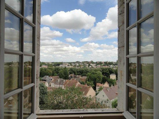 Hotellerie Saint Yves: Vue de la chambre sur le Vieux Chartres