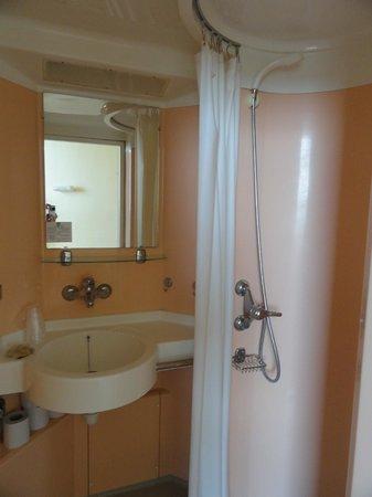 Hotellerie Saint Yves: Salle de douche