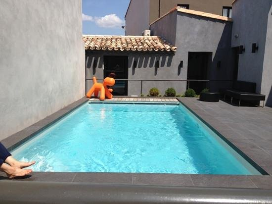 Hôtel Octroi : Small pool but enough to cool down in !!