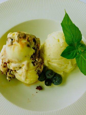 Golden Pheasant Inn: Cardamon Ice Cream