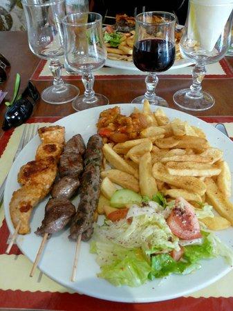 Palmyre : Le plat principal à base de brochettes