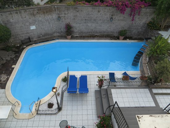 Villa Adriana Guesthouse Sorrento: the pool