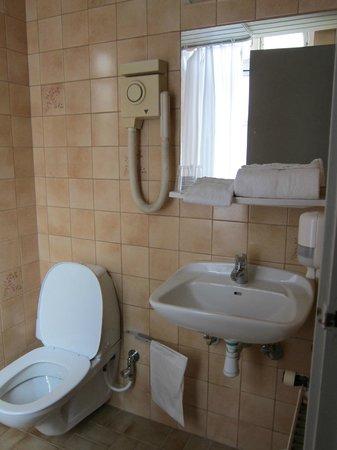 Somandshjemmet Bethel: Basic bathroom