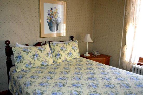 Hotel Vendome: Room 8