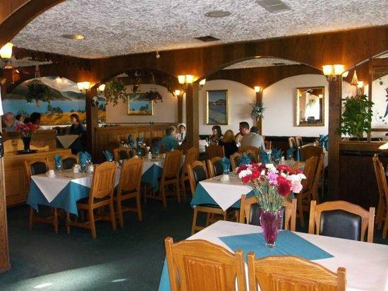 Granada Restaurant & Pizza: Restaurant inside