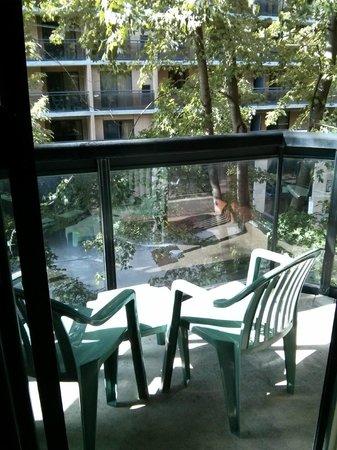 Cartier Place Suite Hotel : Balcony