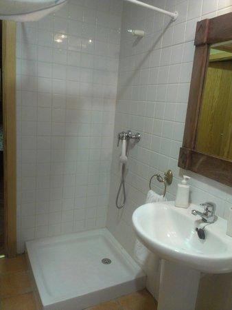 La Casa del Medico : Shower & Washing Basin + Mirror
