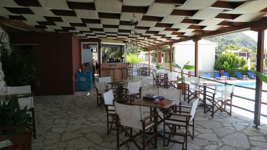 Hotel Sirios Kathisma: Bar near the pool