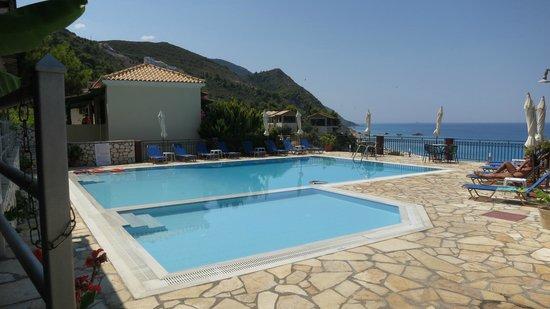 Hotel Sirios Kathisma: Pool