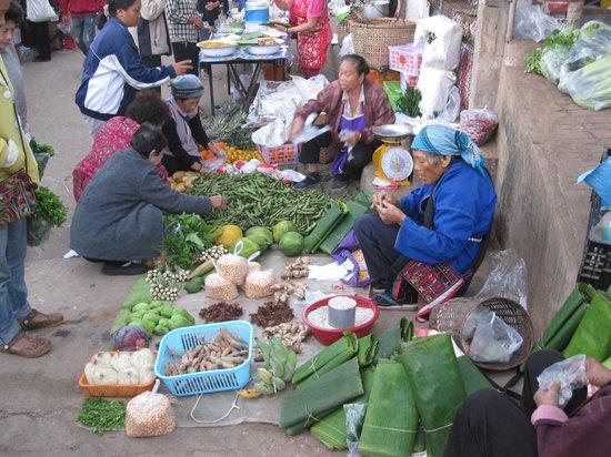 Khum Nai Phol: Marché du matin