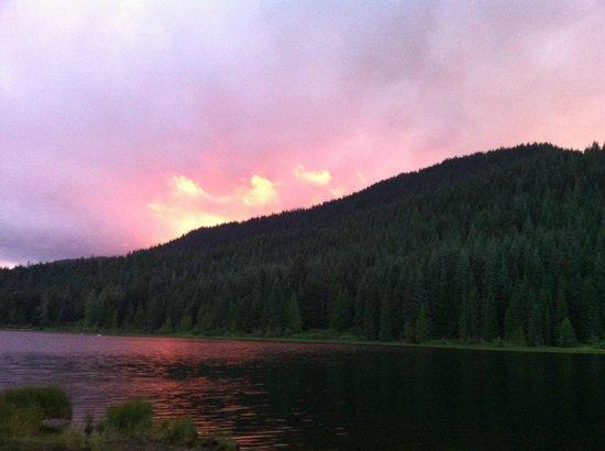 Trillium Lake: Lake at Sunset
