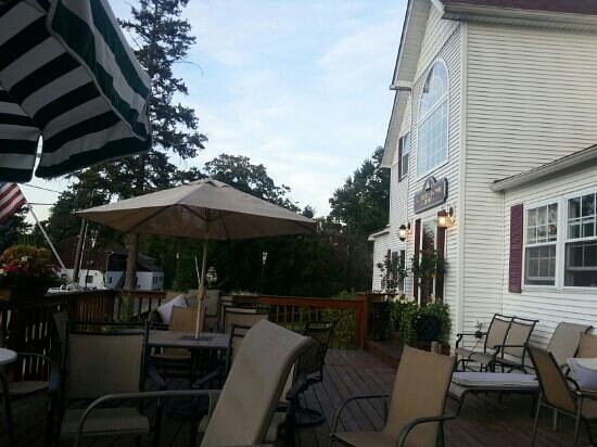 Waterstone Inn: On the deck at the front of the Inn.
