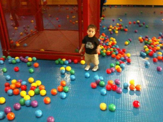 Childrens Museum: Mundo de las pelotas