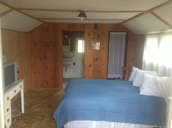 Elkhorn Lodge and Guest Ranch: Cabin interior