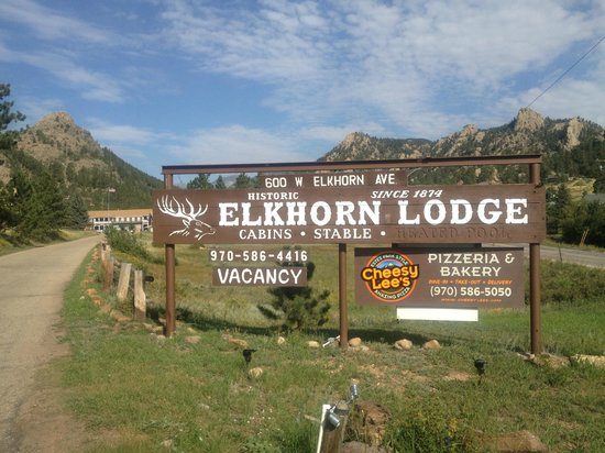Elkhorn Lodge and Guest Ranch: Entrance to property